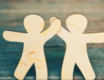 Be-Their-Friend-750x750